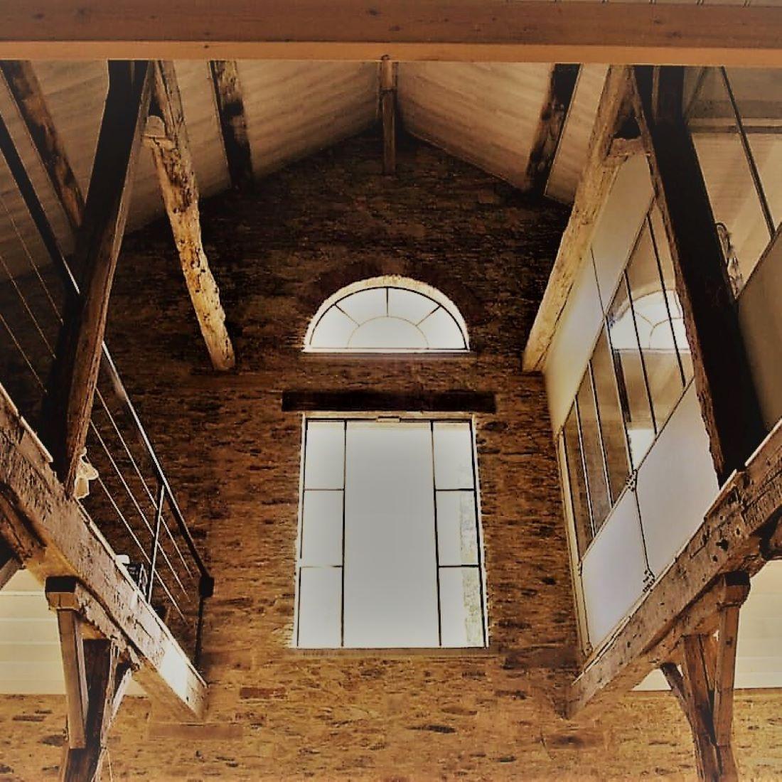 Groot raam in de woonkamer