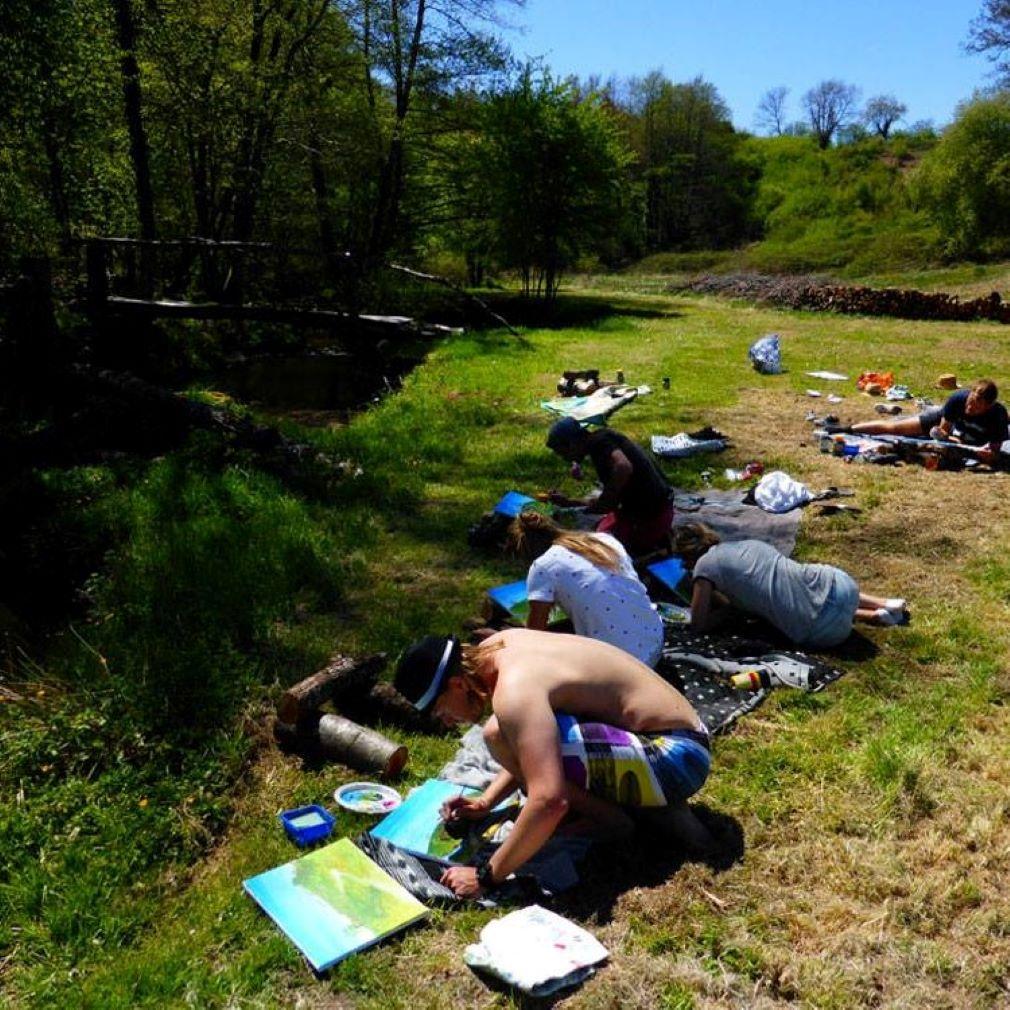 Schildercursus bij de rivier